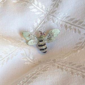 Jewelry - Vintage Gerry's Bee Brooch